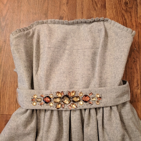 Banana Republic Dresses & Skirts - NWT Banana Republic wool jeweled belted dress